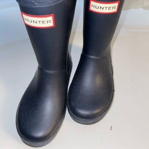Toddler Navy Hunter boots hardly worn size 7